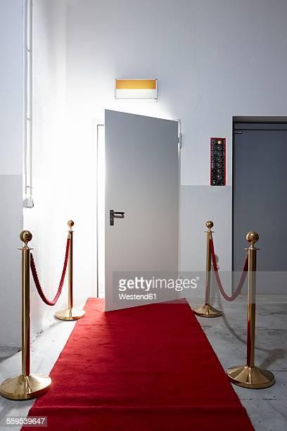 red carpet in front of open door - gala tilldragelse som firas bildbanksfoton och bilder