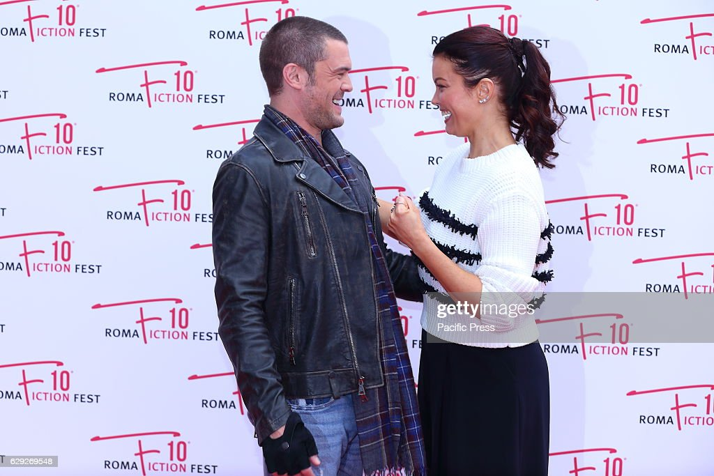 """Red Carpet of fiction """"Shondaland"""" with american actor... : Nachrichtenfoto"""