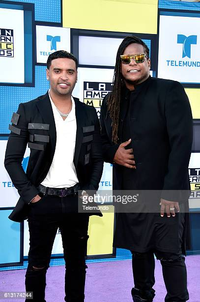 ¿Cuánto mide Anuel AA? - Altura - Real height Red-carpet-pictured-musical-group-zion-y-lennox-arrive-at-the-2016-picture-id613174244?s=612x612