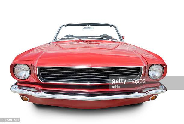 red convertable. - frontaal stockfoto's en -beelden