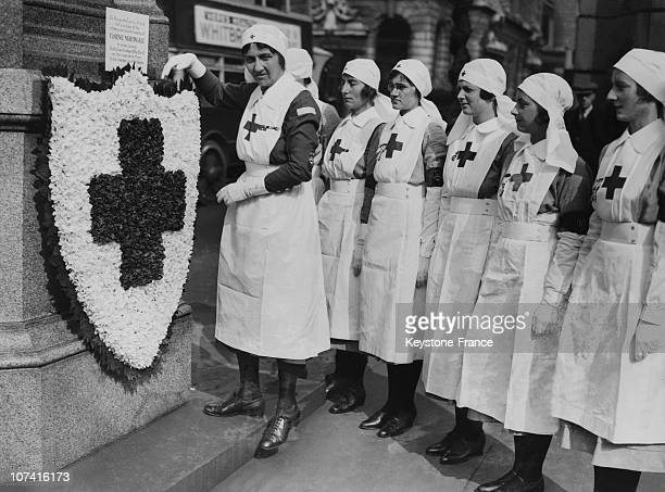 Red Cross Nurses Laying A Wreath On The Florence Nightingale Memorial In London On May 12Nd 1933