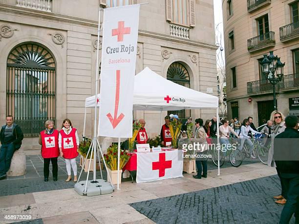 クルスロハ - 赤十字社 ストックフォトと画像