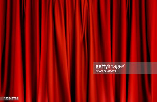 red curtains - preisverleihung stock-fotos und bilder