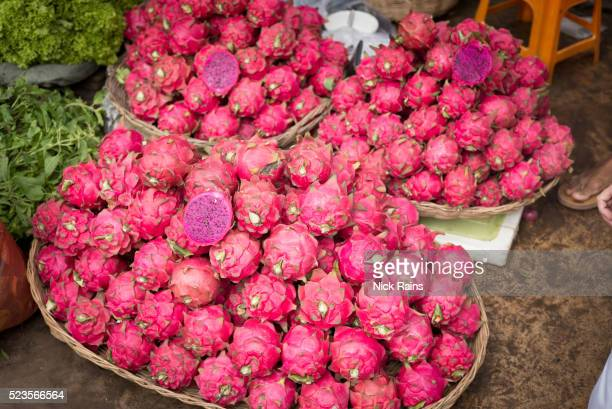 red dragon fruit, - dragon fruit stock pictures, royalty-free photos & images