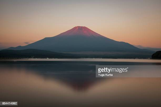red fuji over lake yamanaka - dramatic landscape stock pictures, royalty-free photos & images