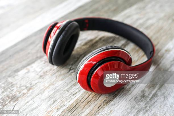 red headphones,erphone - hi fi stock pictures, royalty-free photos & images