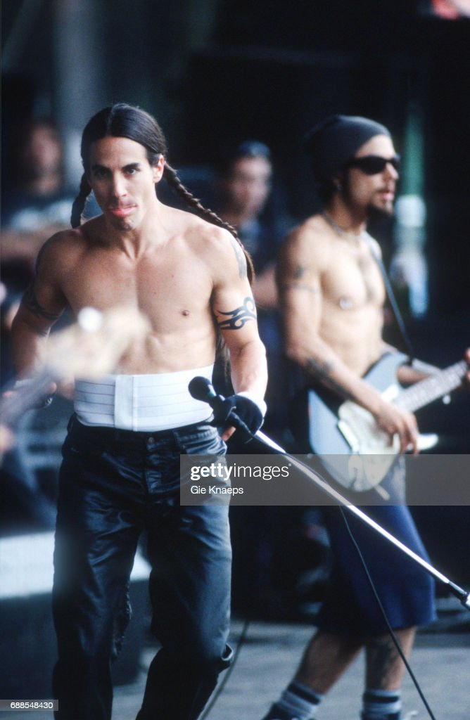 82 Red Hot Chili Peppers 1996 Photos And Premium High Res Pictures Getty Images