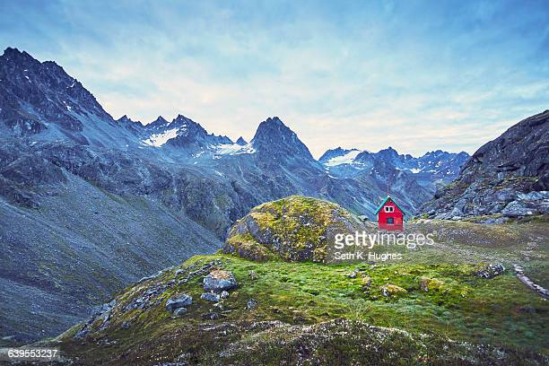 red hut on hill, palmer, alaska - remote location stock pictures, royalty-free photos & images