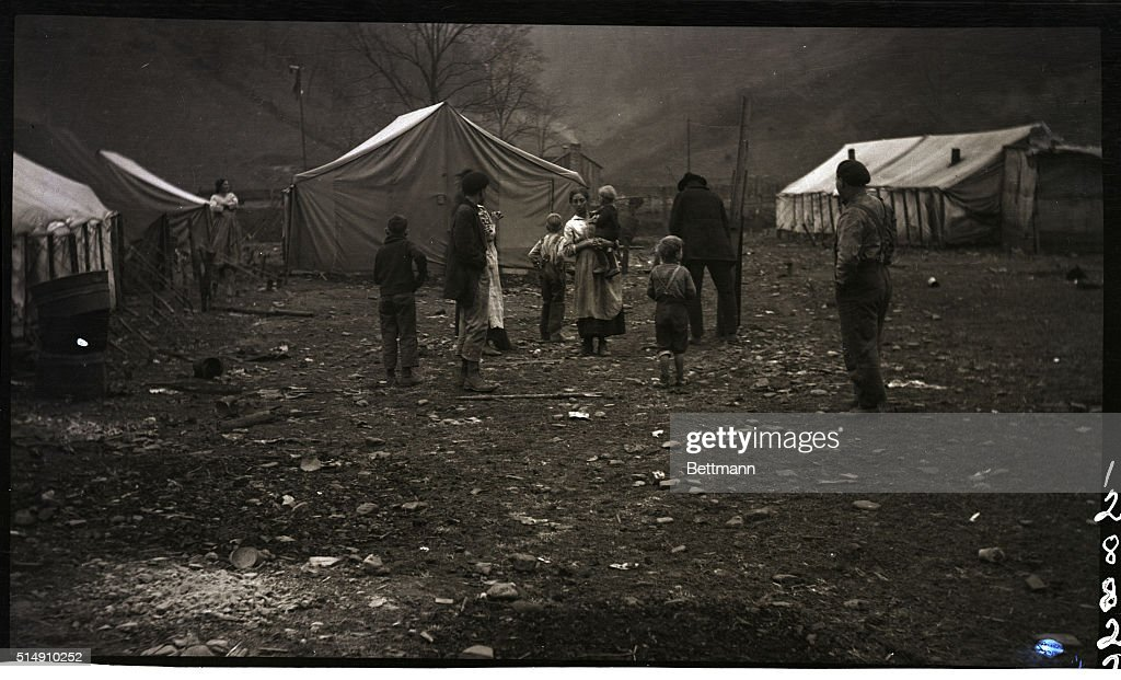 12/6/1920- Red Jacket WV- Scene in the tent city & People and Tents in Striking Miners Camp Pictures | Getty Images