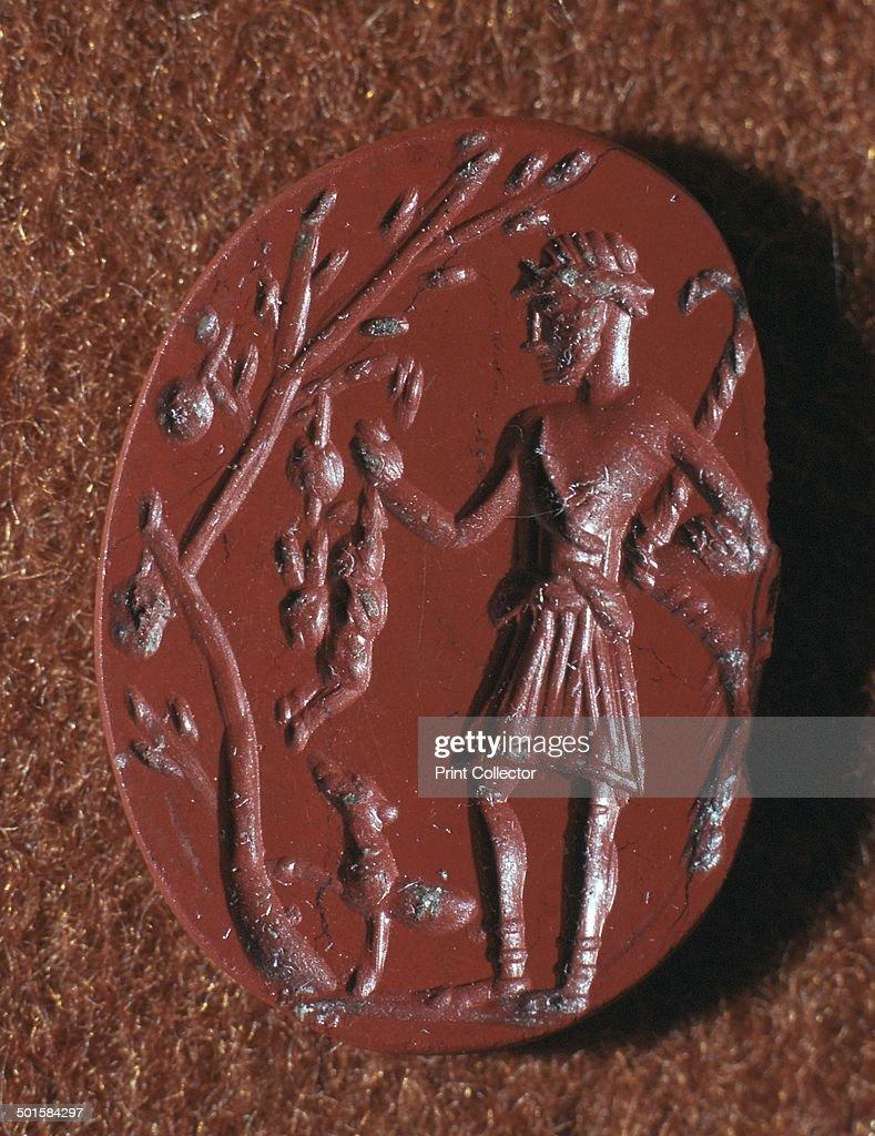 Roman intaglio gem of British deity Cocidus as Silvanus the Hunter, 2nd century BC. : ニュース写真