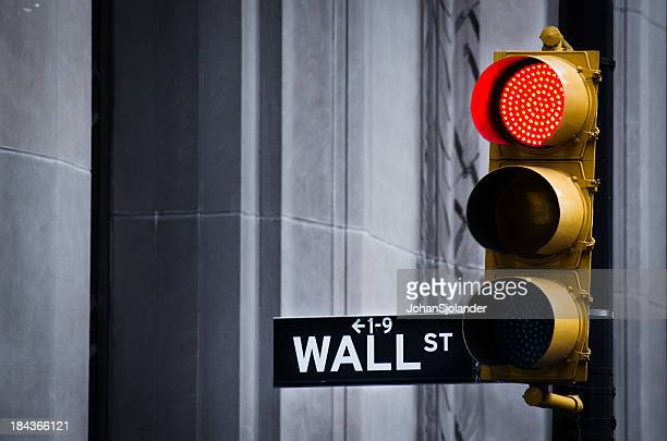 red light on wall street - recession stock pictures, royalty-free photos & images