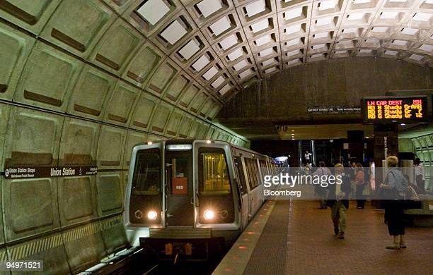Red Line Metro train car pulls into the Union Station stop in Washington, D.C., U.S., on Monday, Aug. 24, 2009. Washington's Metro, run by the...