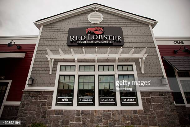Red Lobster restaurant stands in Yonkers, New York, U.S., on Thursday, July 24, 2014. Darden Restaurants Inc. And Golden Gate Capital announced that...