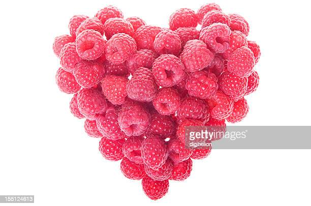 Amour coeur rouge en forme de fruits frais