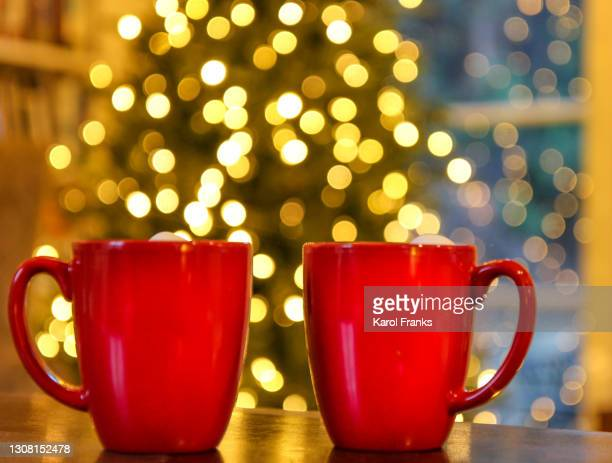 red mugs with christmas tree - pasadena california stock pictures, royalty-free photos & images