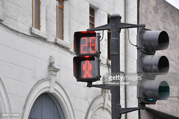 red pedestrian traffic light in lima, peru - markus daniel stock pictures, royalty-free photos & images