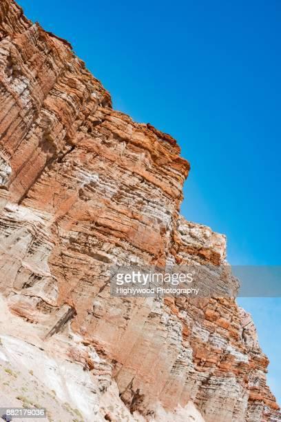 red rock and sky - highlywood fotografías e imágenes de stock