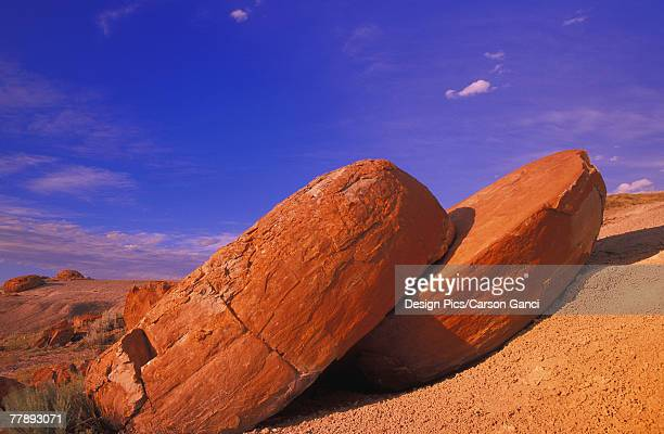 red rock coulee saskatchewan canada - canadian prairies stock photos and pictures