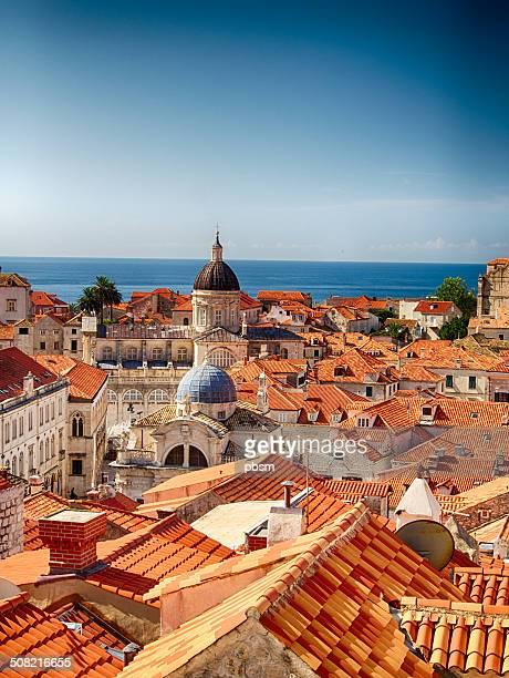 rojo techos de dubrovnik, croacia - croacia fotografías e imágenes de stock