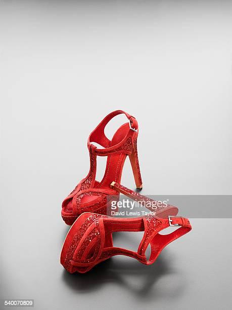 red shoes - röd sko bildbanksfoton och bilder