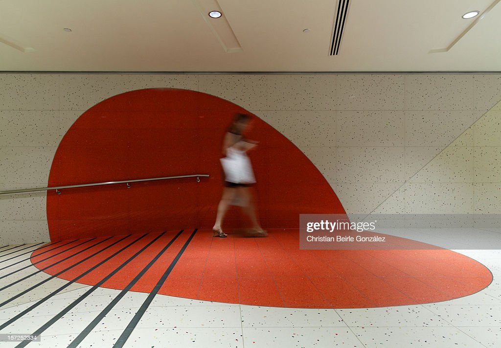 Red Spot and Pedestrian : Stock-Foto