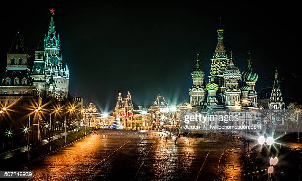 red square glow - red square stock pictures, royalty-free photos & images