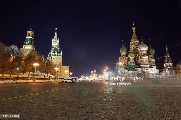red square in moscow at night - paving stone stock pictures, royalty-free photos & images