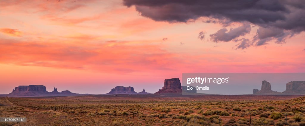 red sunset in Monument Valley. Arizona. USA : Foto stock