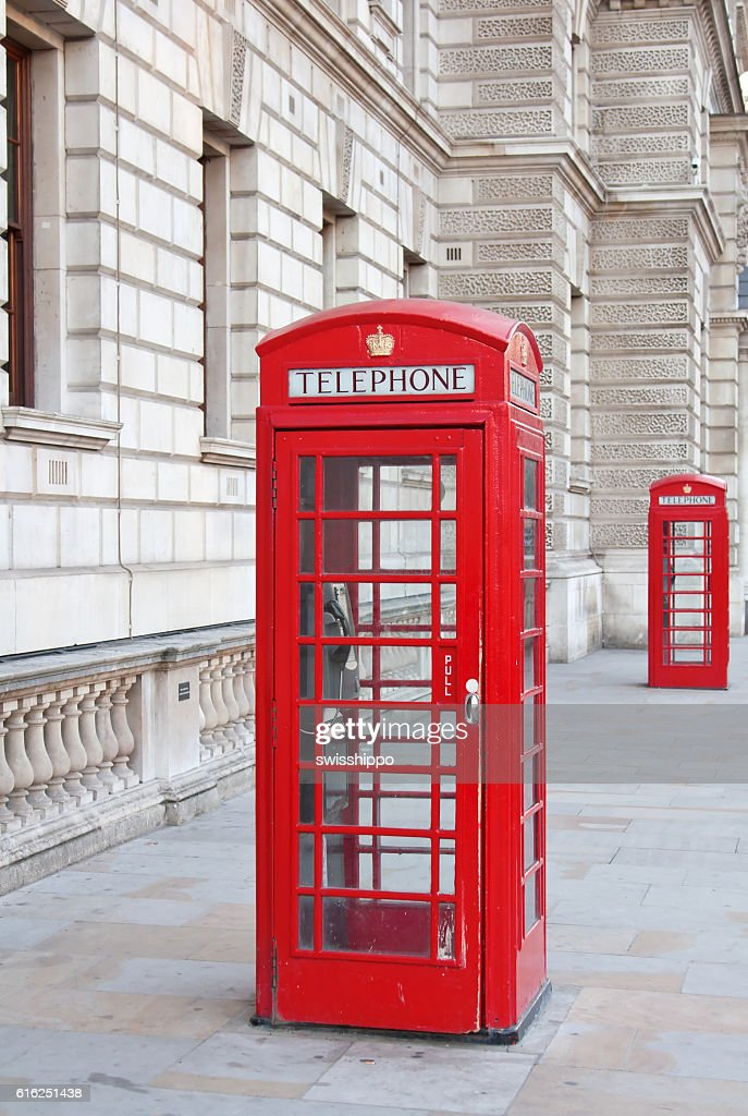 Rote Telefonzelle in London  : Stock-Foto