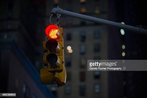 red traffic light nyc - red light stock pictures, royalty-free photos & images