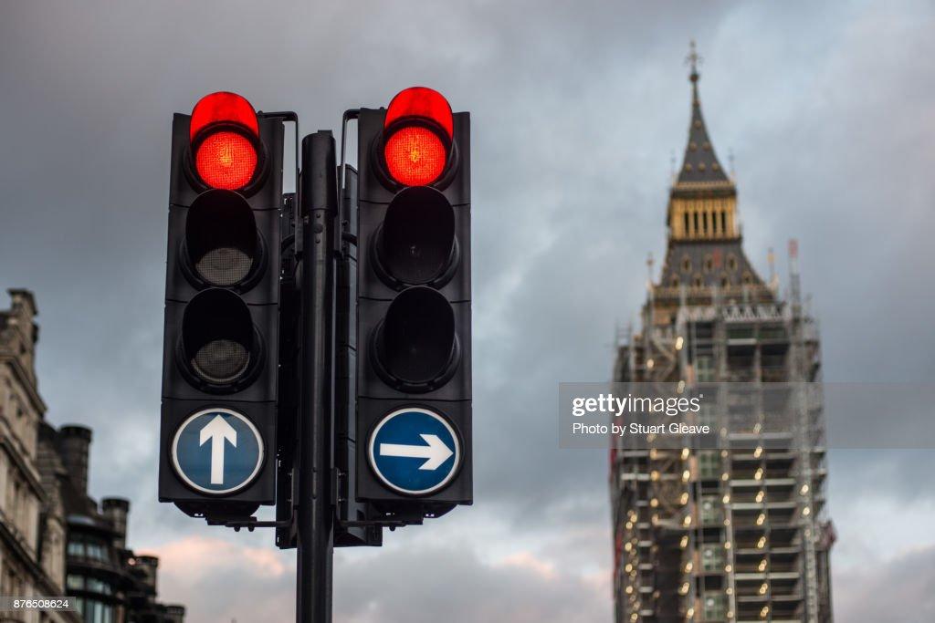 Red traffic lights at Big Ben during restoration : Stock Photo