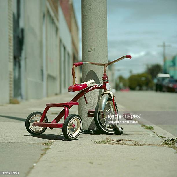 red tricycle - tricycle stock pictures, royalty-free photos & images