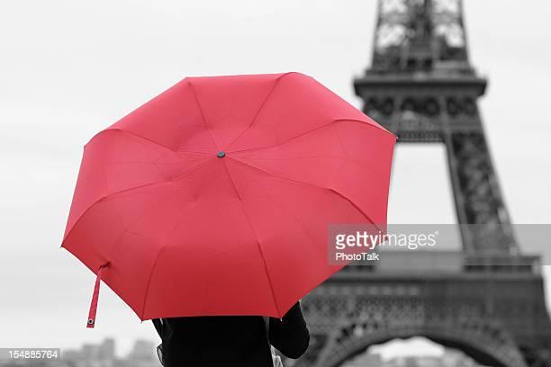 Roter Regenschirm und Paris-XL