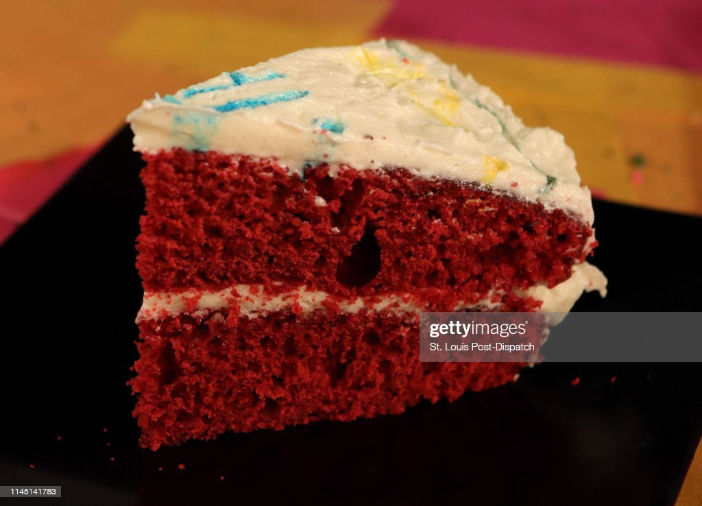 Awe Inspiring Red Velvet Cake For A Birthday On May 1 In St Louis News Photo Personalised Birthday Cards Arneslily Jamesorg
