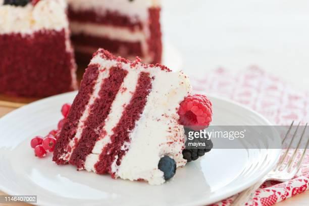 red velvet cake - dolci foto e immagini stock