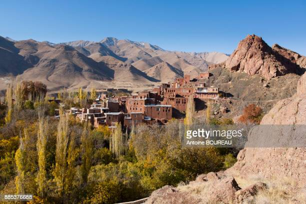 red village of abyaneh, iran - tehran stock pictures, royalty-free photos & images