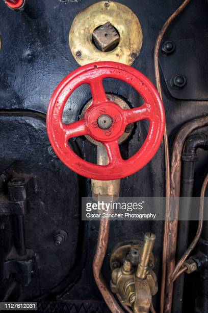 red weel of a pressure gauge of an old steam engine - gondola traditional boat stock pictures, royalty-free photos & images