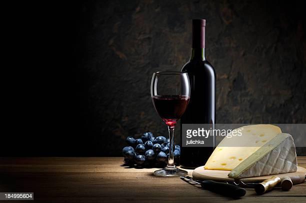 Roten Wein und Käse