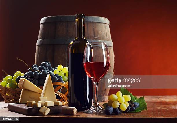 composição de vinho tinto - cabernet sauvignon grape - fotografias e filmes do acervo
