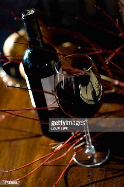 vinho tinto - cabernet sauvignon grape - fotografias e filmes do acervo
