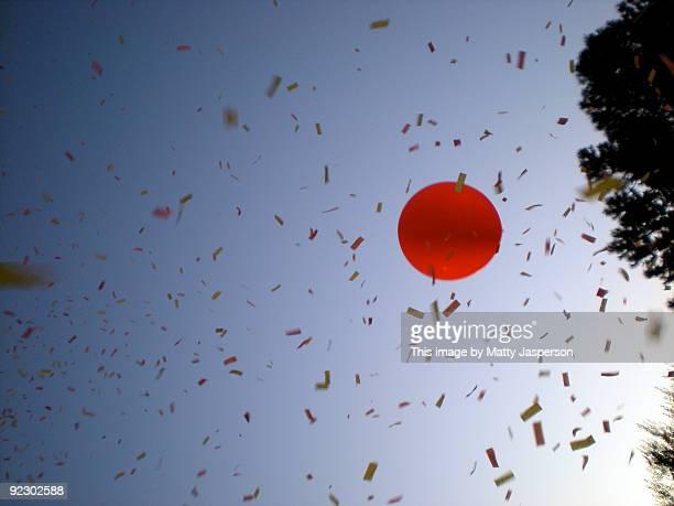 RedBalloon_BluySky_Confetti