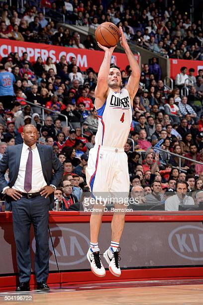 J Redick of the Los Angeles Clippers shoots the ball during the game against the Charlotte Hornets on January 9 2016 at STAPLES Center in Los Angeles...