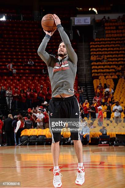 J Redick of the Los Angeles Clippers warms up before a game against the Houston Rockets in Game Five of the Western Conference Semifinals during the...