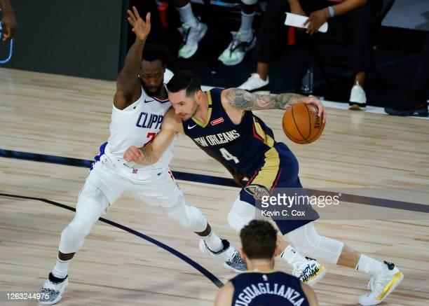 Redick of the New Orleans Pelicans drives against the LA Clippers at HP Field House at ESPN Wide World Of Sports Complex on August 01 2020 in Lake...