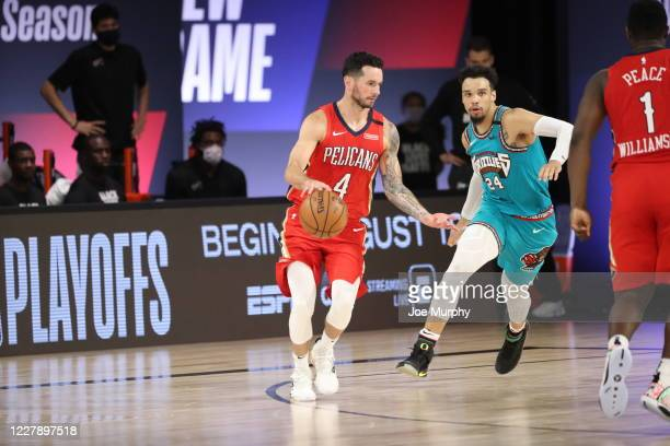 JJ Redick of the New Orleans Pelicans handles the ball during the game against the Memphis Grizzlies on August 3 2020 at The Visa Athletic Center at...