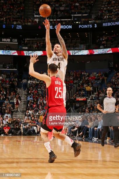 Redick of the New Orleans Pelicans shoots the ball against the Houston Rockets on December 29 2019 at the Smoothie King Center in New Orleans...