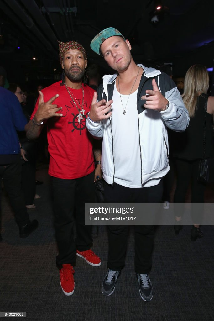 Redman (L) and DJ Jayceeoh pose backstage during the 2017 MTV Video Music Awards at The Forum on August 27, 2017 in Inglewood, California.