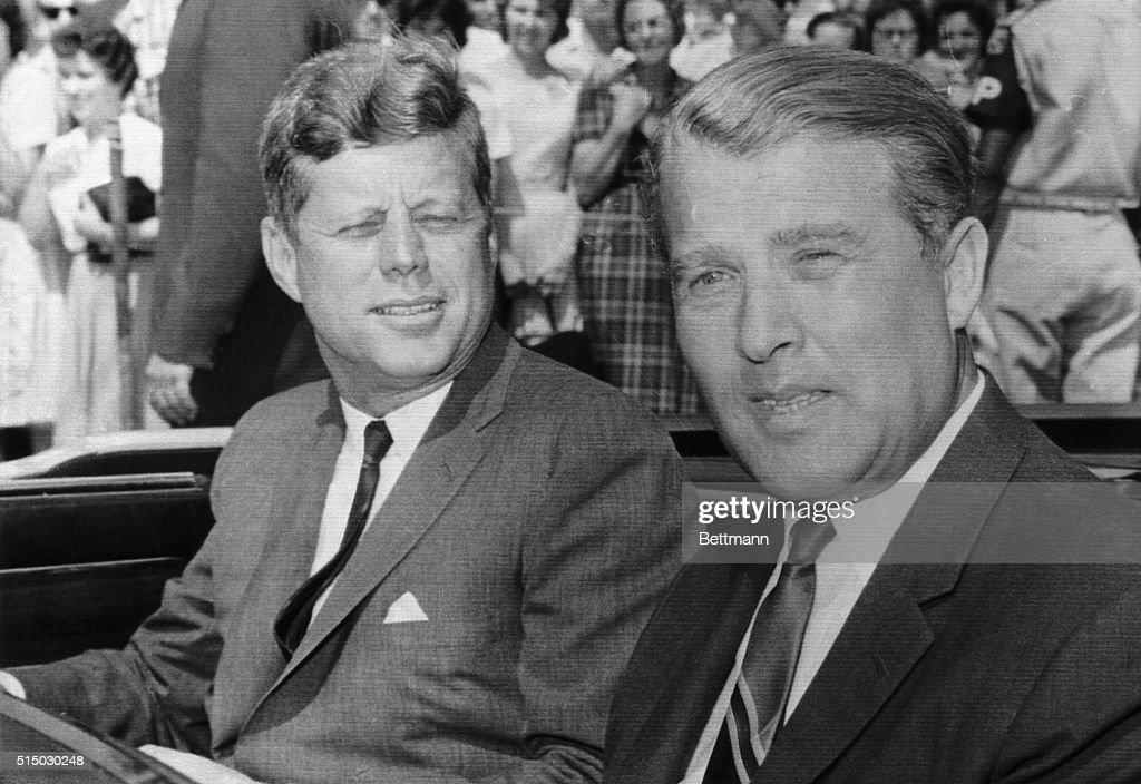 John Kennedy and Werner von Braun : News Photo