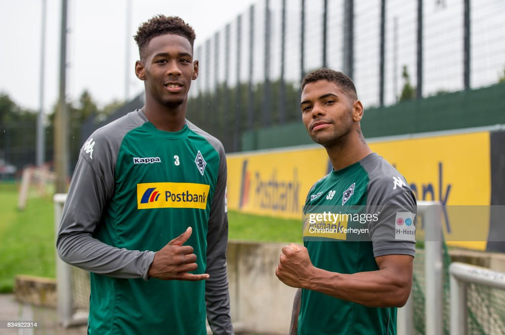 Reece Oxford and Kwame Yeboah during a training session of Borussia Moenchengladbach at Borussia-Park on August 18, 2017 in Moenchengladbach, Germany.