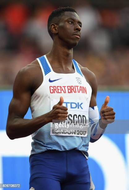 Reece Prescod of Great Britain makes a thumbs up sign before the Men's 100 metres semifinal during day two of the 16th IAAF World Athletics...